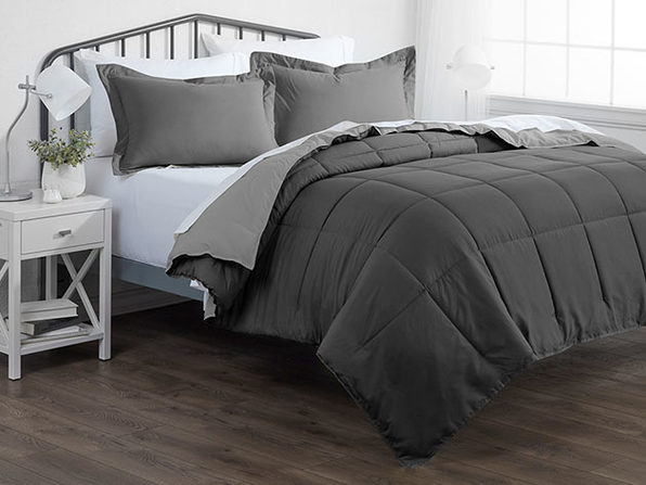 Down Alternative Reversible Comforter Set (Gray & Light Gray)