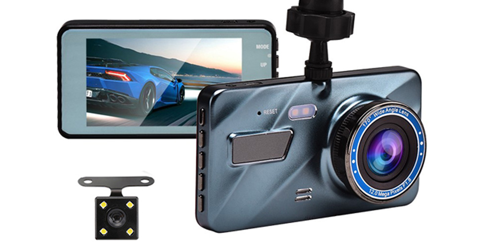 BlackBOX 1080p HD Dual Lens Dash Cam, on sale for $38.24 when you use coupon code SAVE15NOV at checkout