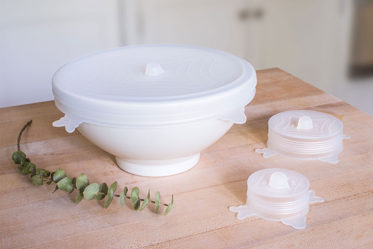 A bowl with a stretchy lid