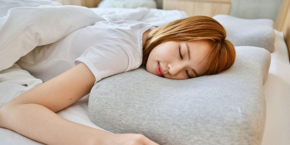 Cushion Lab Ergonomic Contour Memory Foam Pillow