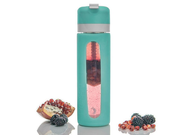 Pressa Bottle: Water Bottle + Built-In Juicer