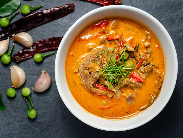 A bowl of curry.