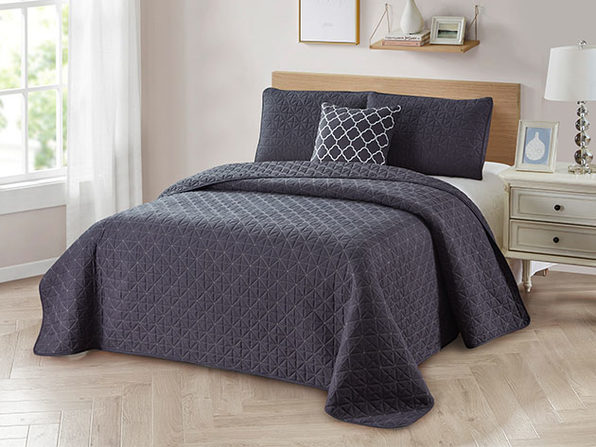 4-Piece Quilt Set with Embroidered  Pillow - Twin - Grey - Product Image