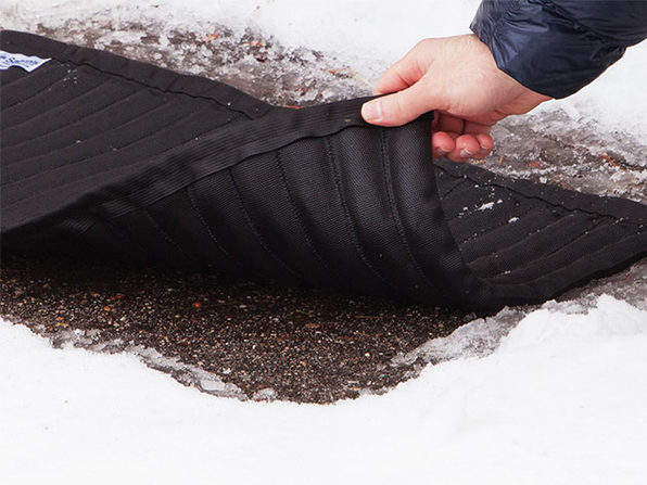 Saltnets Reusable Snow and Ice Melting Mat
