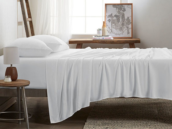 4-Piece Luxury 100% Rayon Bamboo Sheet Set // White (Queen)