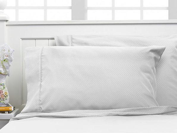 Bamboo 4-Piece Chevron Embossed Sheets (White/Full)