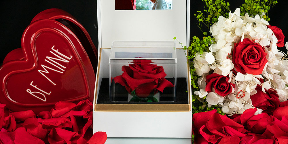 La Nota: Forever Rose with Personalized Message, on sale for $33.96 with code VDAY2021