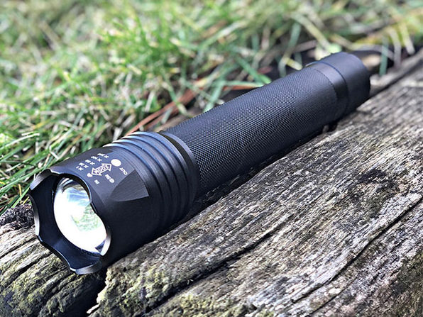 Stinger 1000 Lumen Tactical Flashlight