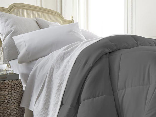 iEnjoy Home Down Alternative Comforter (Grey/King)