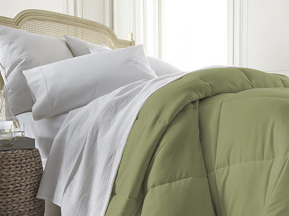 iEnjoy Home Down Alternative Sage Comforter (King)