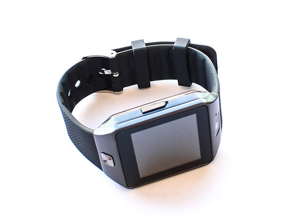 Bluetooth Smartwatch with Camera and Pedometer