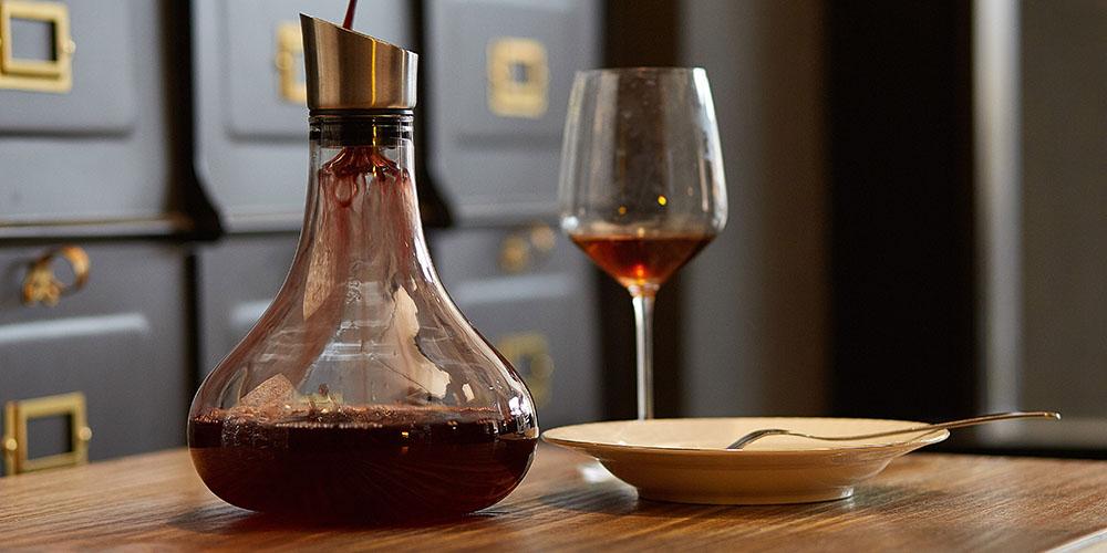 Eravino Handblown Crystal Wine Carafe + Aerating Spout